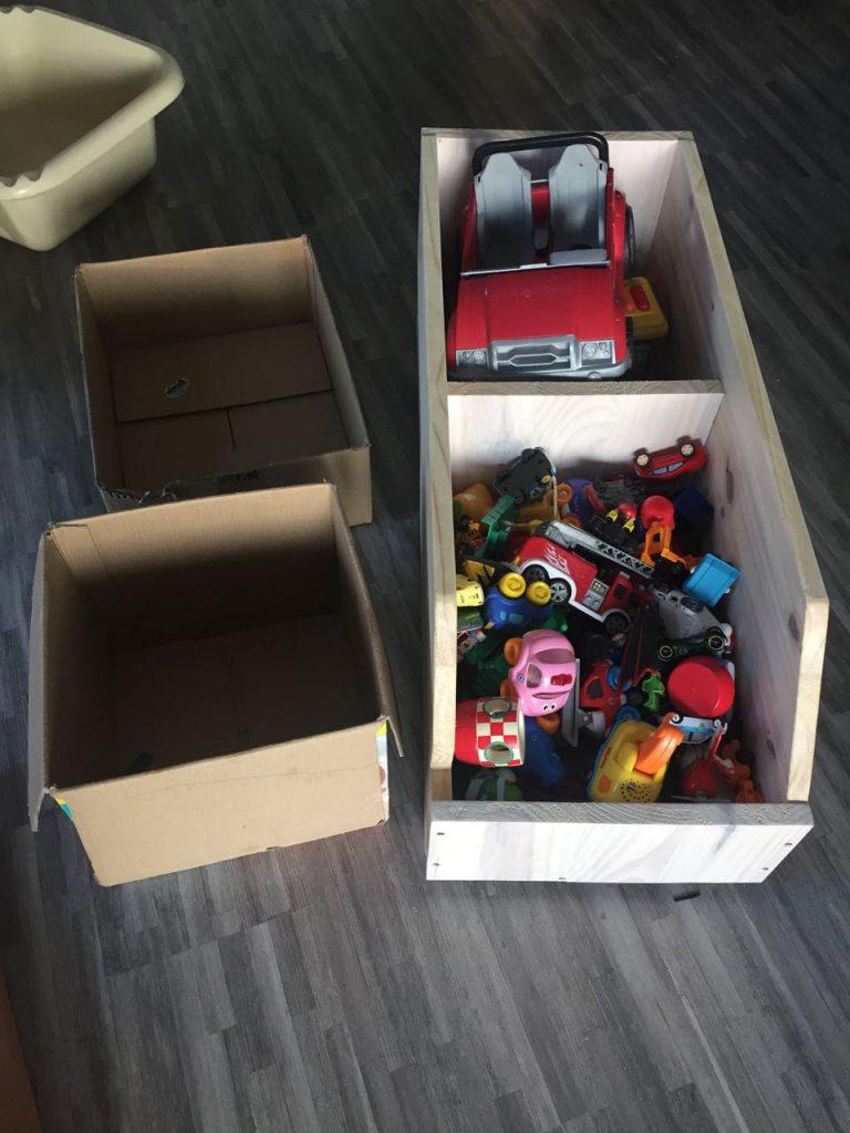 on a rcemment construit une banquetteescalier cest un autre bricolage quil faudra que jajoute ce blog dans la chambre des enfants